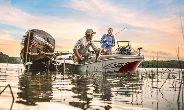Larson FX fishing boat